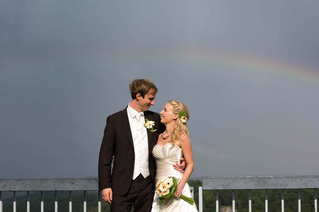 brautpaar regenbogen neuffen fotograf hochzeiut