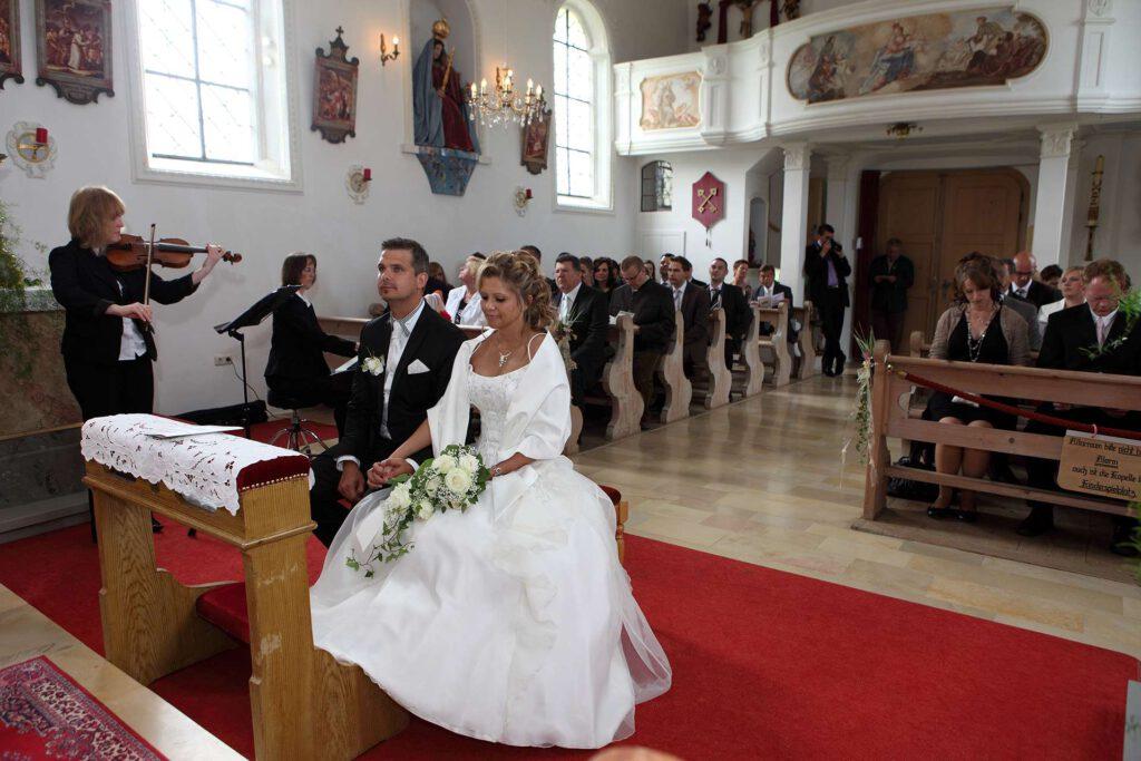 kirche_trauung_fotograf_hochzeit_zeremonie_allgäu_hochzeitsbilder
